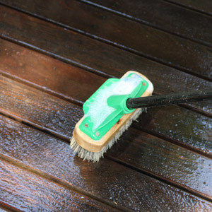 Review of timber deck cleaner before applying decking oil